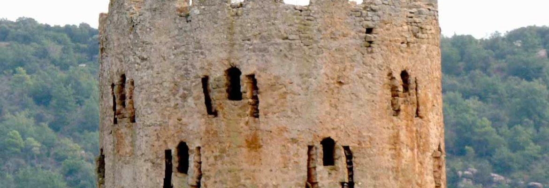 Vols conèixer el poble i torre de Vallferosa?